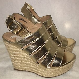 Bamboo size 7 gold espadrille wedge